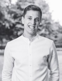 George is a German tutor in Kent Greater London
