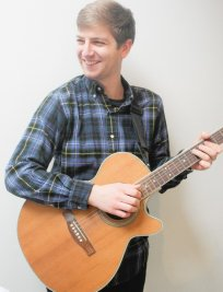 Richard teaches Guitar lessons in Colliers Wood