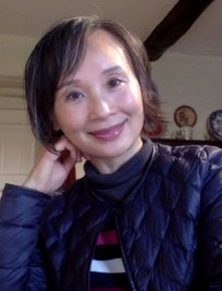 Guoyu is a private tutor in Calne