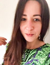 Valeria is a Spanish tutor in Bearsden