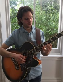 Giorgos teaches Electric Guitar lessons in Colliers Wood