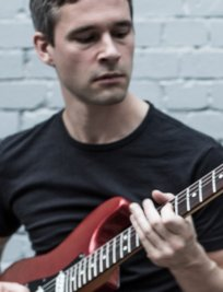 Ciaran teaches Bass Guitar lessons in Central London