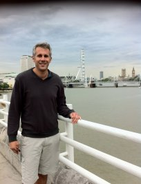 Hamid offers French lessons in Nine Elms